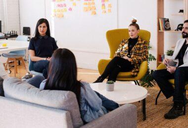 Meeting, Büro, Treffen, Verhandlung, Start-up, Gesicht wahren