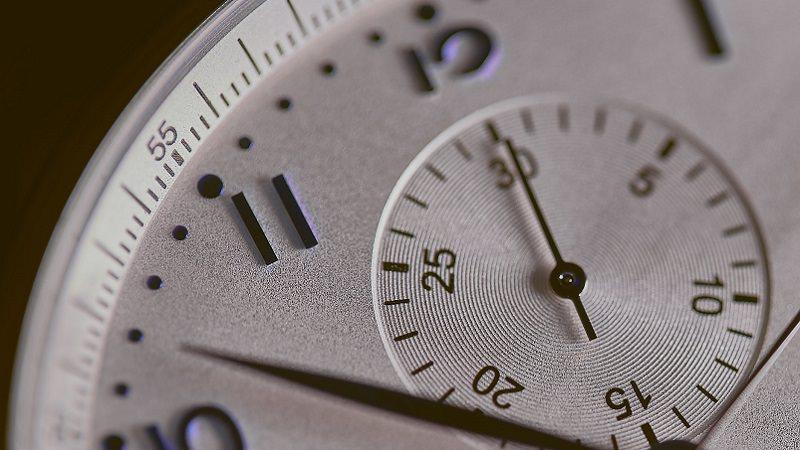 Uhrzeit, Uhr, Stoppuhr, eine Minute im Internet 2020