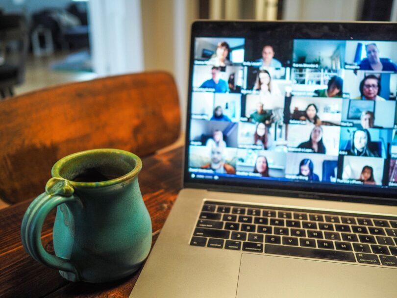 Videocall, Meeting, Home-Office, peinliche Calls, peinliche Video Calls, peinliche Videocalls