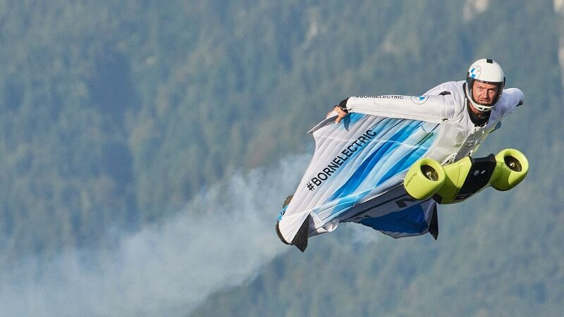 BMW Wingsuit, Peter Salzmann, fliegen, Berge, Alpen