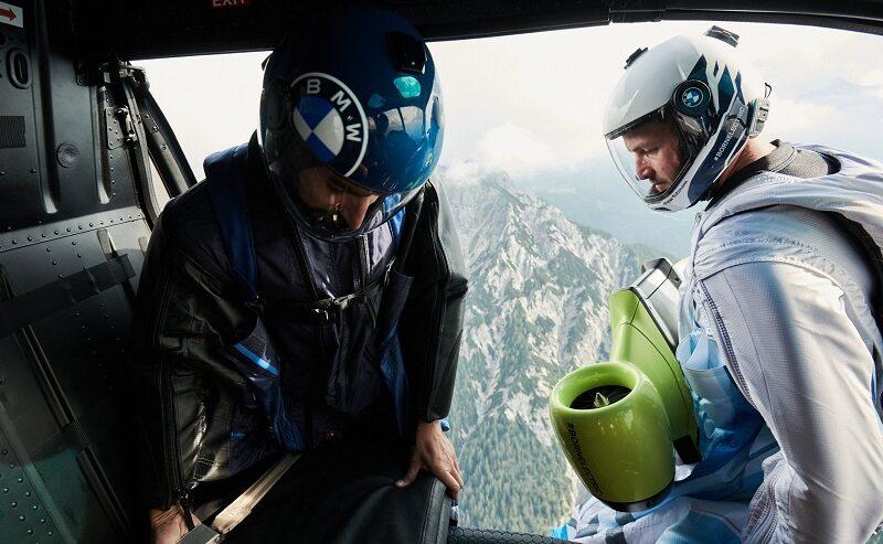 Peter Salzmann, BMW Wingsuit, Helikopter, fliegen, Berge