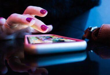 Smartphone, Hand, Apps. Benutzer-Tracking