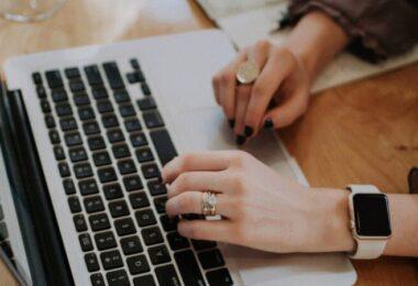 Laptop, Arbeit, Arbeitsplatz, Berufswünsche deutscher Eltern
