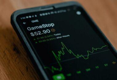 Smartphone, Gamestop, Aktie, Börse, Reddit