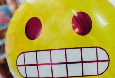 Smiley, Emoji, Grinsen, grinsender Emoji, GEZ-Gebühren