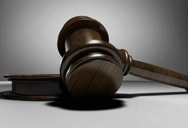 Richter, Richterhammer, Anwalt, Brauchen Gründer einen Anwalt?, Brauchen Startups einen Anwalt?