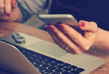 Smartphone, Handy, Laptop, Macbook, Mobilfunk, beliebteste Mobilfunkanbieter in Deutschland, beste Mobilfunkanbieter in Deutschland