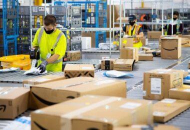 "Amazon, Lagerhaus, Pakete, Corona, FFP""-Masken, FFP2-Masken bei Amazon"