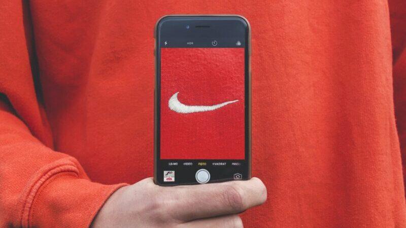 Nike, Smartphone, Hand