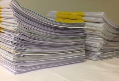 Unterlagen, Papier, Akten, Vertrag, Verträge, Stapel, neue Gesellschaftsform