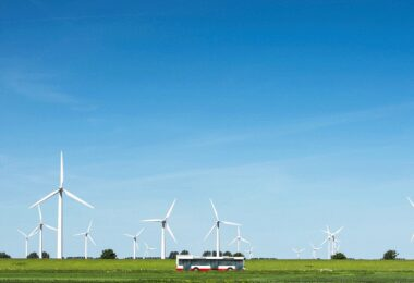Bus, Bremerhaven grüner Wasserstoff, Windrad, Norddeutschland