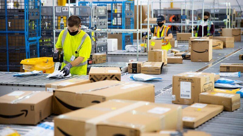 """Globale Steuerreform, Amazon, Lagerhaus, Pakete, Corona, FFP""""-Masken, FFP2-Masken bei Amazon, Arbeitsbedingungen bei Amazon"""