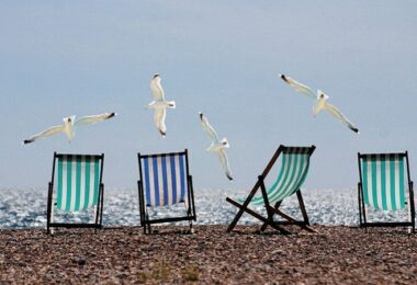 Urlaub, Strand, Meer, Liegestuhl, Liegestühle, Urlaub 2021, lustige Abwesenheitsnotizen