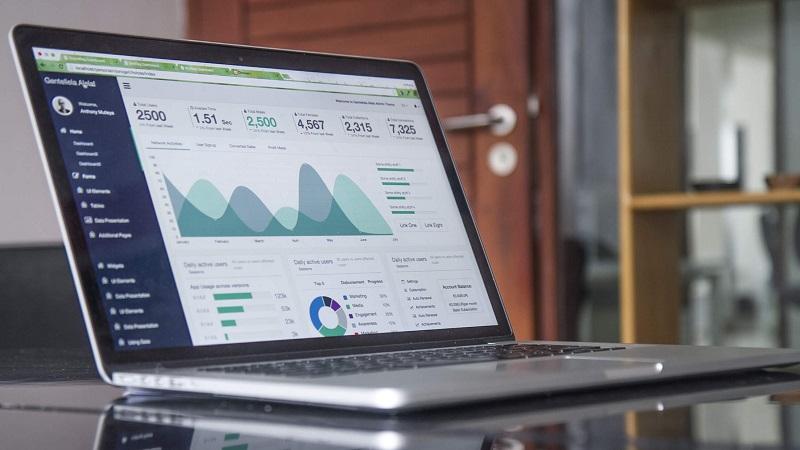 Daten, Big Data, Data Scraping, Laptop