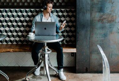 Laptop, Mann, Smartphone, Technologie, Digitalisierung