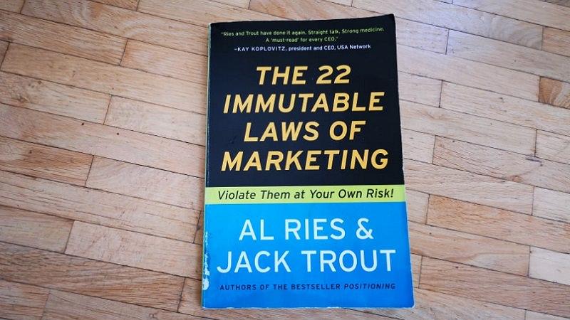 22 unumstößliche Gebote im Marketing, Buch, Rezension, Al Ries, Jack Trout