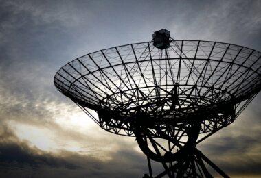 Satellite, Satellitenschüssel, Satelliten-Internet
