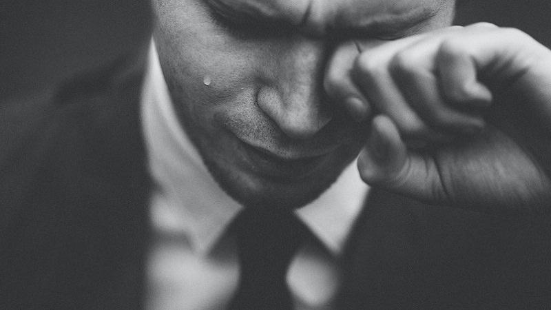 Business, Anzug, Arbeit, Trauer, traurig, weinen, schlechteste Länder zum Arbeiten