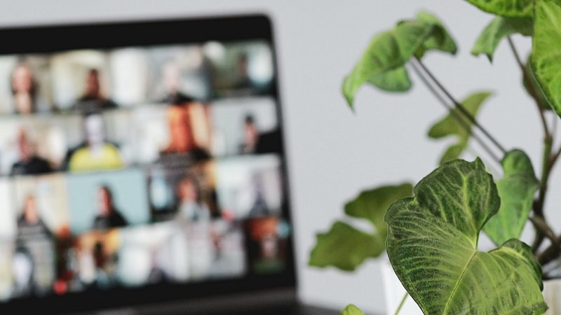 Zoom Meeting, Videokonferenz, Mitarbeiterüberwachung, Mitarbeiterkontrolle