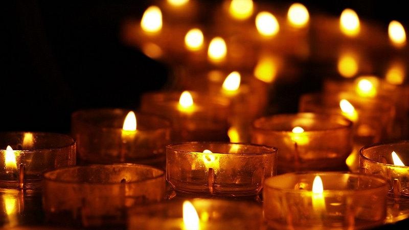Teelichter, Kerzen, Gedenkfeier, Andacht, Anschlag in Würzburg