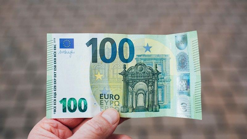 Geld, Geldschein, Bargeld, 100-Euro-Schein, Euro, älteste Dividenden-Aktien der Welt, älteste Dividenden-Zahler der Welt