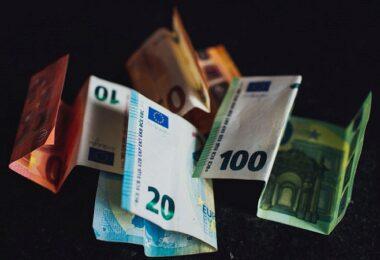 Euro, Euroscheine, Geld, Geldscheine, beste Dividenden-Zahler der Welt, beste Dividendenzahler der Welt