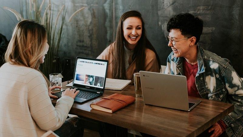 Gespräch, Unterhaltung, Office Chat, Office Talk, Tipps für Small Talk im Büro