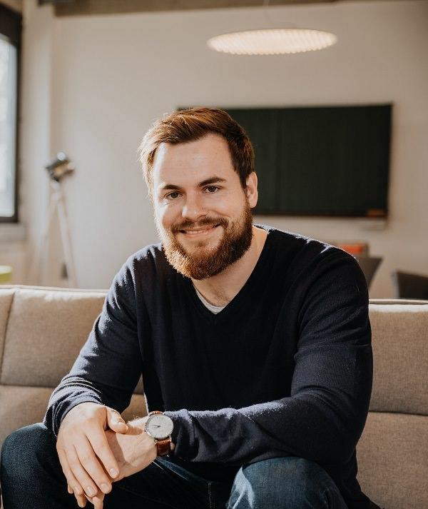 Benedikt Ilg, Flip, Mitarbeiter-Kommunikation