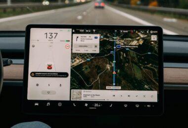 Smartphone Autos Kombination Zukunft Softeq