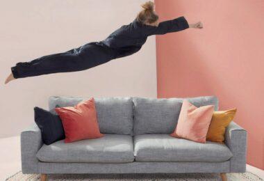 Sofa, Frau, Couchsurfing