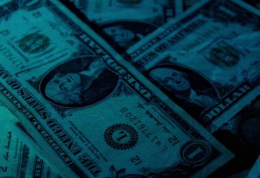 Dollar, US-Dollar, Geld, Pandora Papers, Steuern, Politik